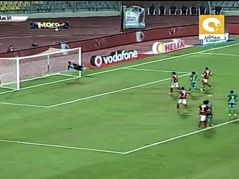 حارس المقاصة يتألق ويحرم عبد الله السعيد من هدف رائع