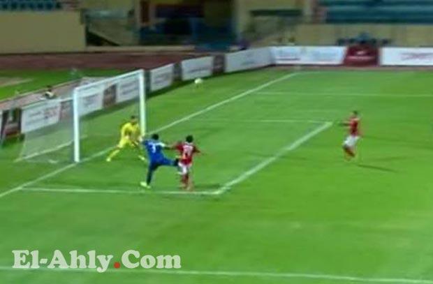 العارضة تحرم أسوان من هدف في مرمى الأهلي بعد 50 ثانية!