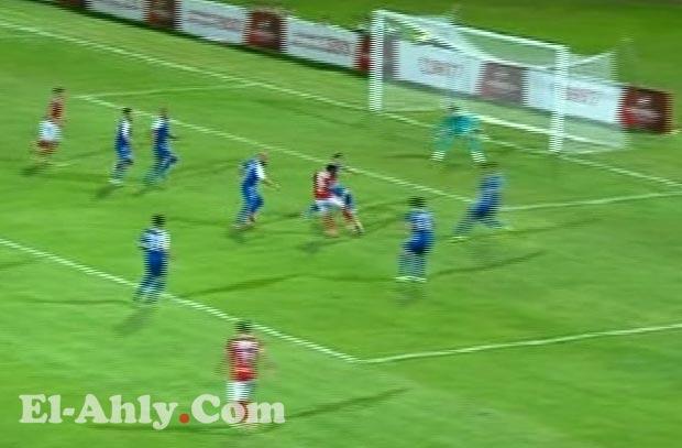 إيفونا يهدر فرصة هدف للأهلي بعد جملة تكتيكية في وسط الملعب