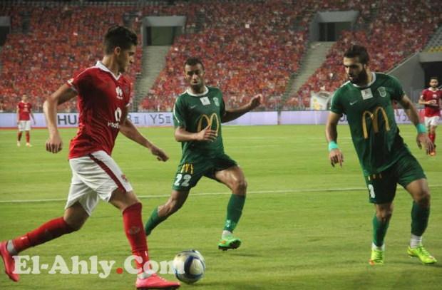 أحمد الشيخ خارج مباراة القمة