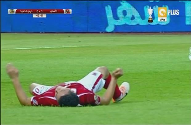 بعد اصابة خلعت القلوب .. سعد سمير يغادر بين الشوطين