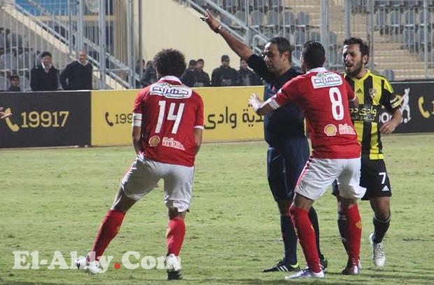 سمير عثمان يقود مباراة الأهلي وإنبي