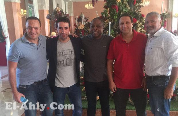 هادي خشبة ينضم لجمعة وتريكة في مباراة نجوم العالم بالمغرب