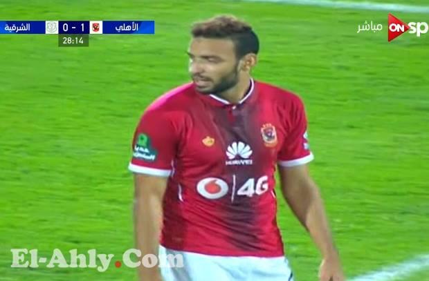 ميدو جابر يضيع فرصة خطيرة لافتتاح اهدافه مع النادي الاهلي