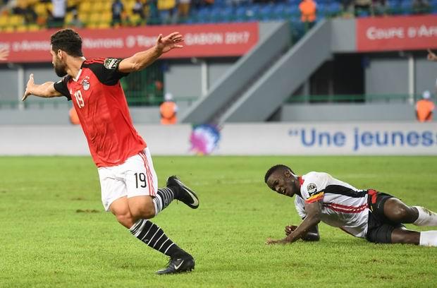 عبد الله السعيد يحصد جائزة رجل مباراة مصر وأوغندا