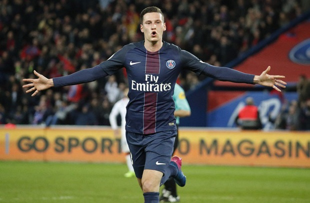 باريس يهزم ليون ويواصل ملاحقة موناكو للحفاظ على لقبه