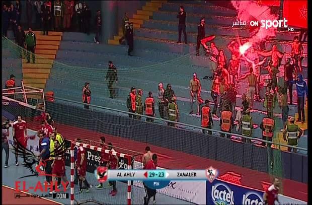 فرحة جمهور الأهلي بتتويج فريق اليد بلقب السوبر الأفريقي