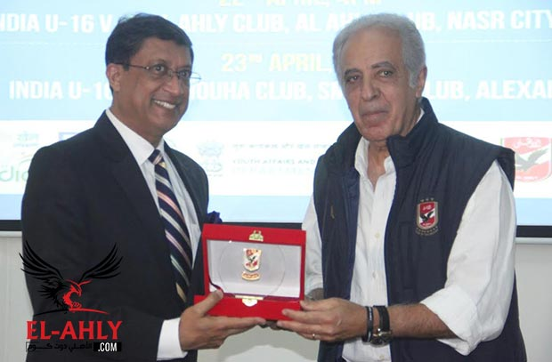 السفير الهندي في القاهرة: أصبحت مشجع للأهلي
