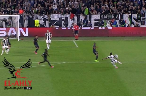 هدف خيالي لألفيش يًحسر جماهير برشلونة على رحيله
